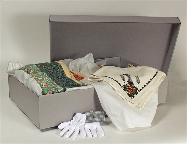 storing quilts, acid-free storage box, archival